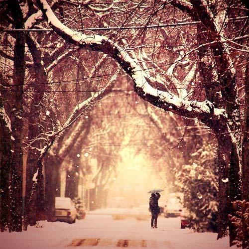 Abduzeedo 窗外 又见雪花飘落