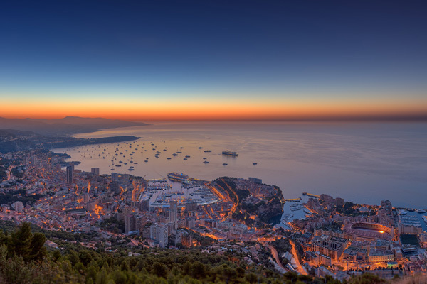 http://interfacelift.com/wallpaper/details/3118/monaco_yacht_show_2012_hdr_panorama.html