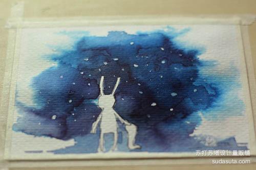 先把纸张打湿,趁着没干涂上彩色墨水,颜色就会渗化出随机效果。