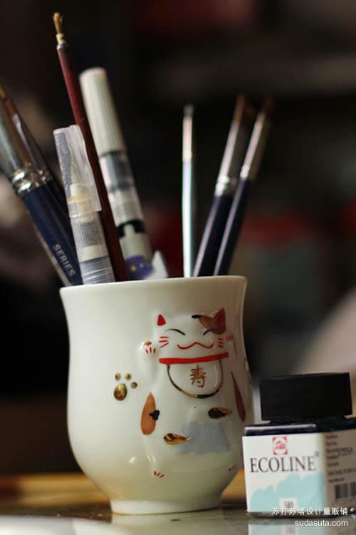 材料:各种材质、粗细不同的笔……