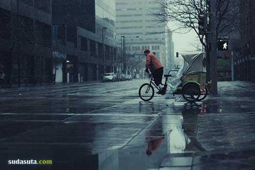 Brandt Campbell 城市的雨季