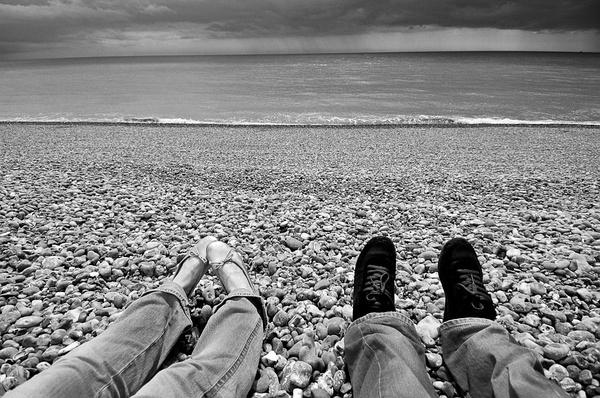 这里就是一切开始的地方。布莱顿海滩,英格兰。