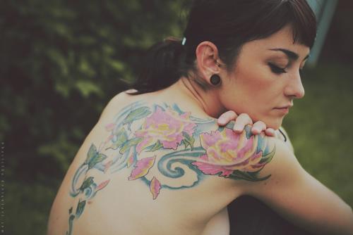 Basistka 纹身与苹果
