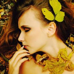 Marinshe 金黄色的落叶