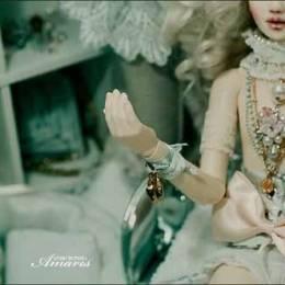 Bleuacide 奢华与情色的关节娃娃