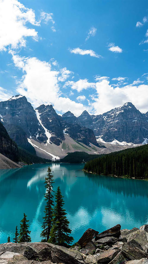 http://interfacelift.com/wallpaper/details/3036/emerald_moraine_lake.html