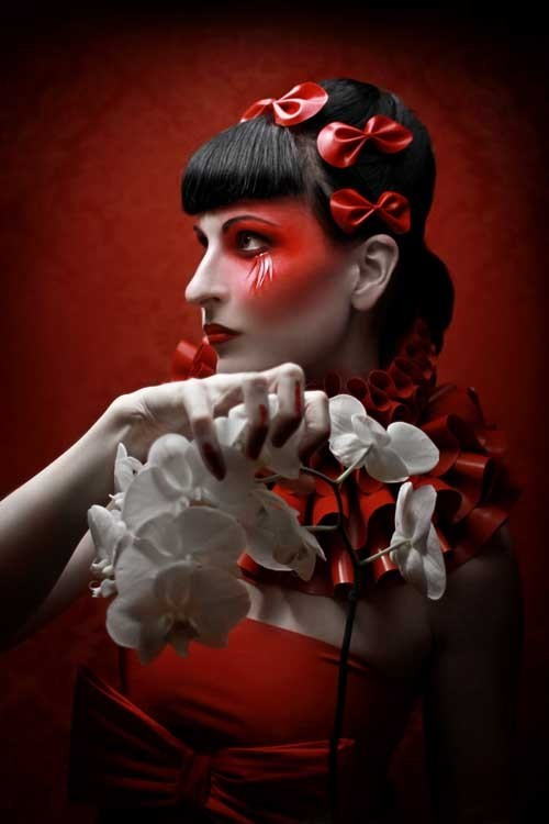 Silent View 红色黑色白色 时尚摄影欣赏