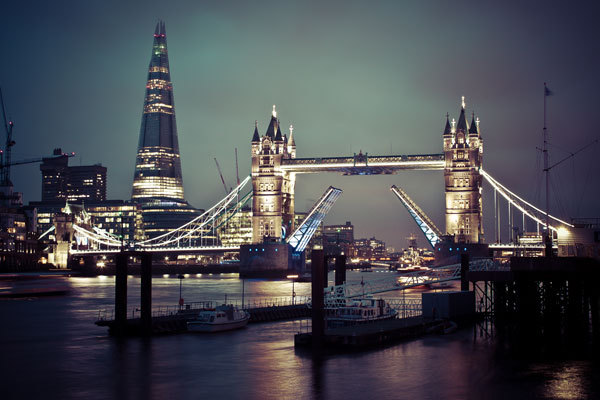http://www.hdwallpapers.in/tower_bridge_of_london-wallpapers.html