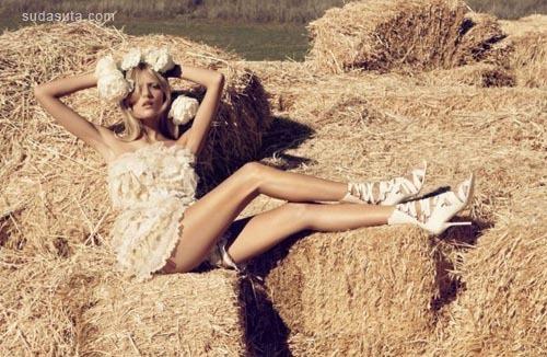 女生与绵羊