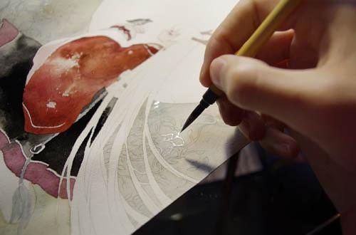 背景干透后,用花枝俏沾樱花的白色细细在背景上描绘缠绕的花枝,这是个耐力活儿,不急不躁慢慢的画