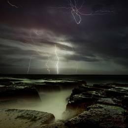 天雷滚滚 闪电从天降