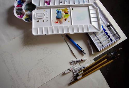 这次画画用到的工具,因为调色盒是当时新买的所以看起来非常干净啊,现在就......哈哈。日本樱花的水彩和韩国的新韩水彩混合使用,画笔则是在古玩市场淘到的狼毫