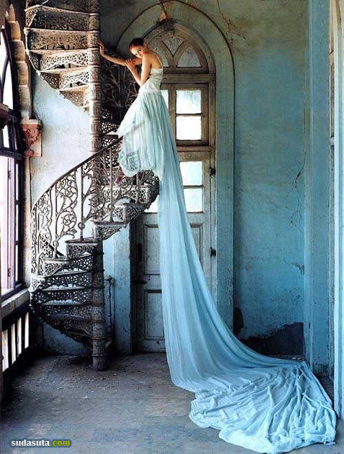 Tim Walker 浪漫神话时尚摄影欣赏