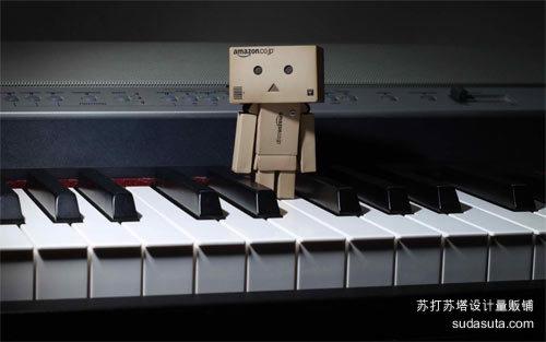 Danbo在钢琴上<br /> 原始分辨率:1280×864像素<br /> http://abstract.desktopnexus.com/wallpaper/506093/