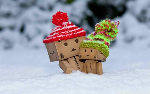 Danbo与雪<br /> 可下载的1280×800,1440×900,1680×1050,1920×1200像素<br /> http://www.wallpaperhere.com/Danbo_in_Snow_92522