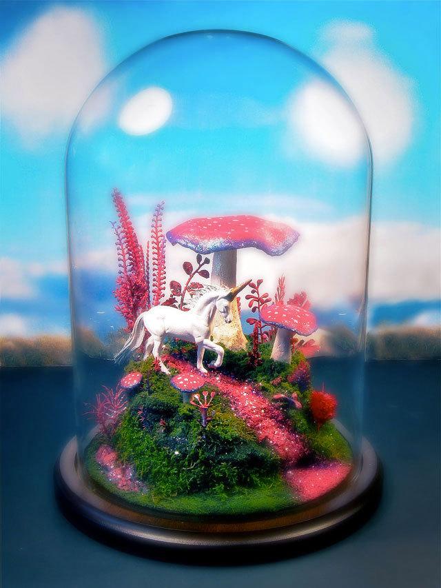 魔菇麒麟水晶球<br /><br /> http://www.crackajack.de/2012/09/20/magic-mushroom-unicorn-terrarium/?utm_source=feedburner&utm_medium=feed&utm_campaign=Feed%3A+NerdcoreRSS2+%28Crackajack%29