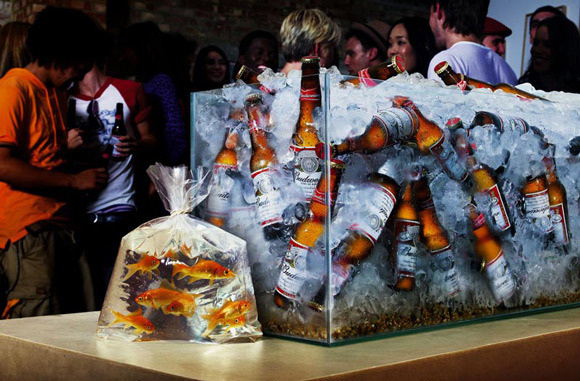 Budweiser Gold Fish<br /> http://adsoftheworld.com/media/print/budweiser_goldfish