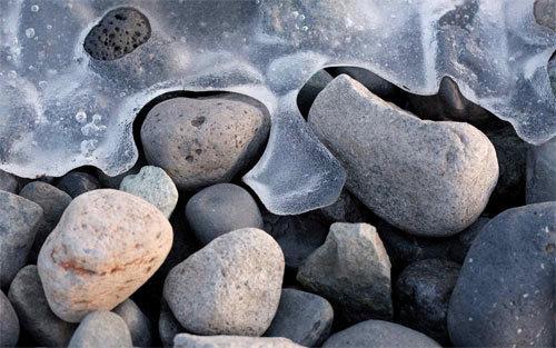 冰冷的石头<br /> 原始分辨率:1920×1280像素。<br /> http://nature.desktopnexus.com/wallpaper/805621/