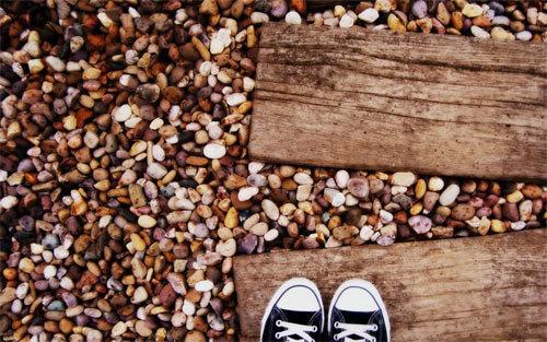 石壁纸<br /> 可下载的1024×768,1280×800,852×480,1280×720像素。<br /> http://wallpaperstock.net/stones-wallpapers_w21853.html