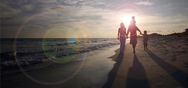 在Photoshop非破坏性的镜头光晕效果 http://www.photoshopessentials.com/photo-effects/lens-flare/