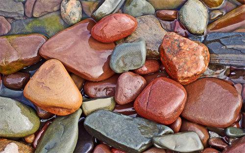 多彩宝石<br /> 可下载的1280×800,1440×900,1680×1050,1920×1200像素<br /> http://www.wallpaperhere.com/Colorful_Stones_96626