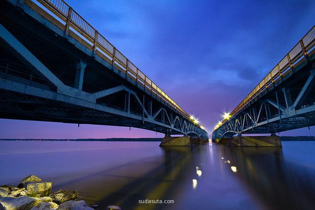 Mihai Andritoiu 城市夜景