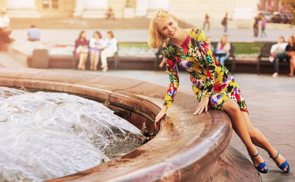 Andrey Yakovlev 和 Lili Aleeva 时尚摄影 日光