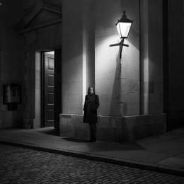 Rupert Vandervell 黑白摄影欣赏《深夜故事》