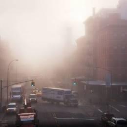Darran Rees 浓雾的纽约城市