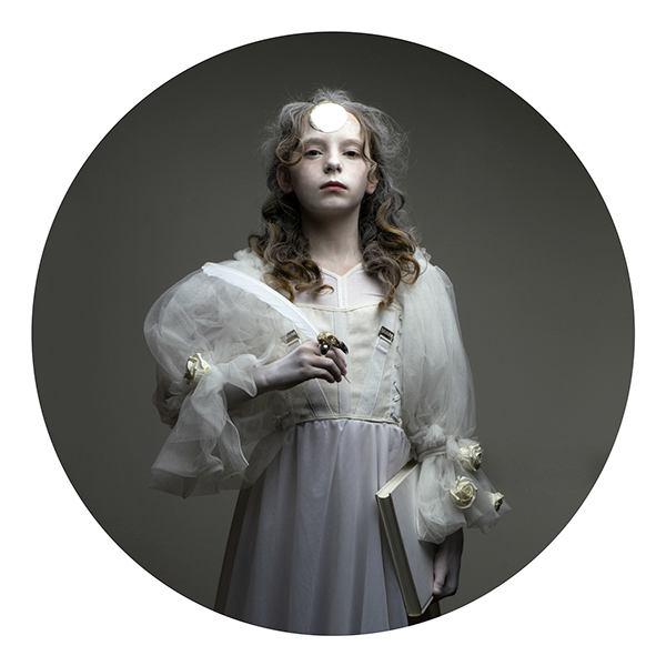 Justyna N 肖像摄影《失落的童年》