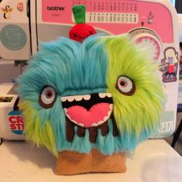 Chelsea Bloxsom 怪物也疯狂 可爱的手工小物
