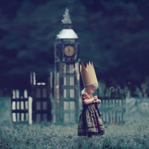 由Oleg Oprisco拍摄的一组超现实主义摄影