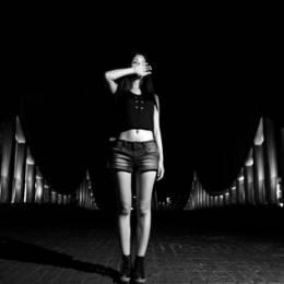 摄影师马路《我的故事只说给黑夜听》