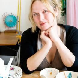 Nina van de Goor  在餐具上点缀可爱的图案