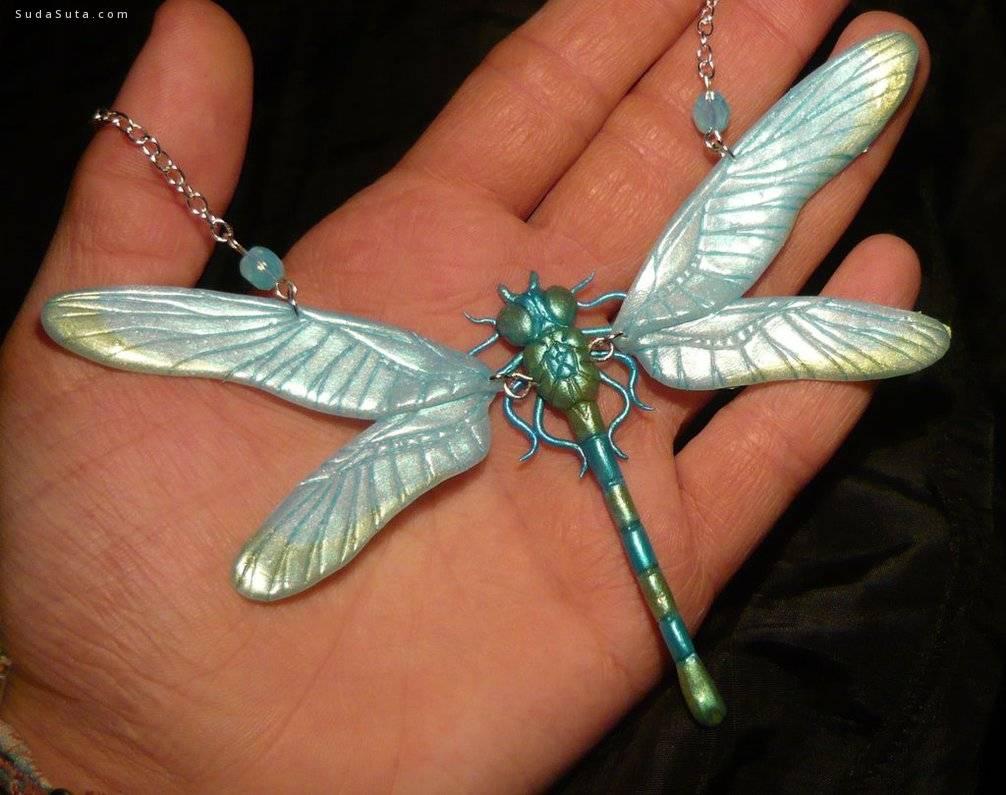 Ganjamira 漂亮的手工翅膀饰品设计