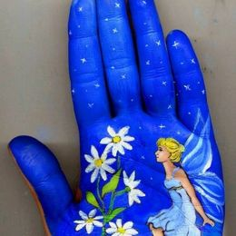 Svetlana Kolosova 手掌的艺术