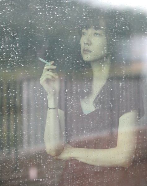 烟与女生 青春主题摄影欣赏