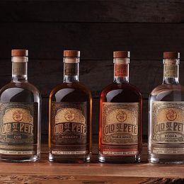 Grant Gunderson 复古的瓶子包装设计欣赏