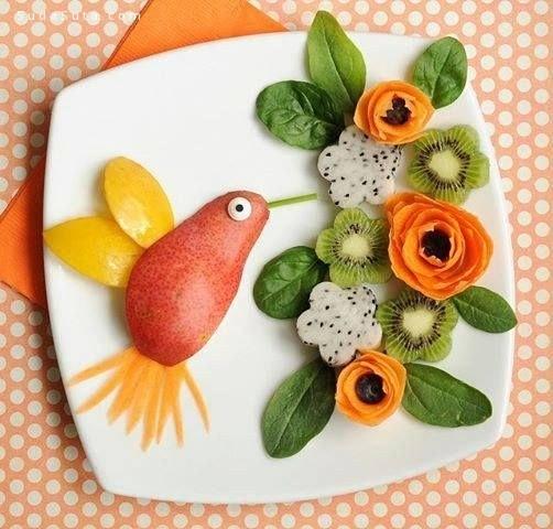 可爱的夏季儿童水果美食