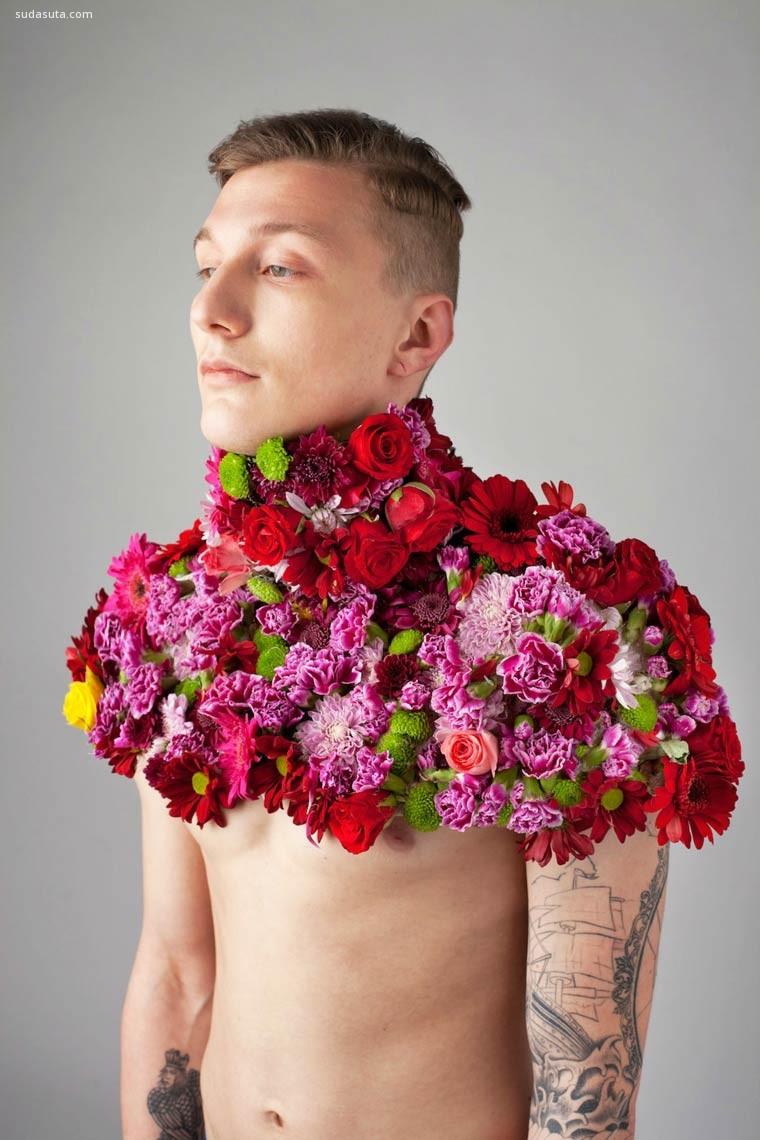 Aleksandra Kingo 男人与花 人像摄影欣赏
