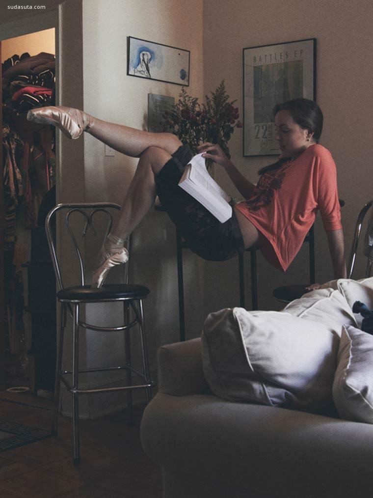 David Perkins 在家中舞蹈