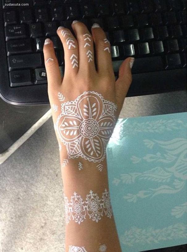印度白色莫海蒂纹身 宛如蕾丝般优雅