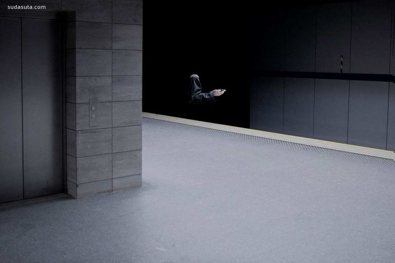 Kamil Kotarba  系列摄影《躲猫猫》