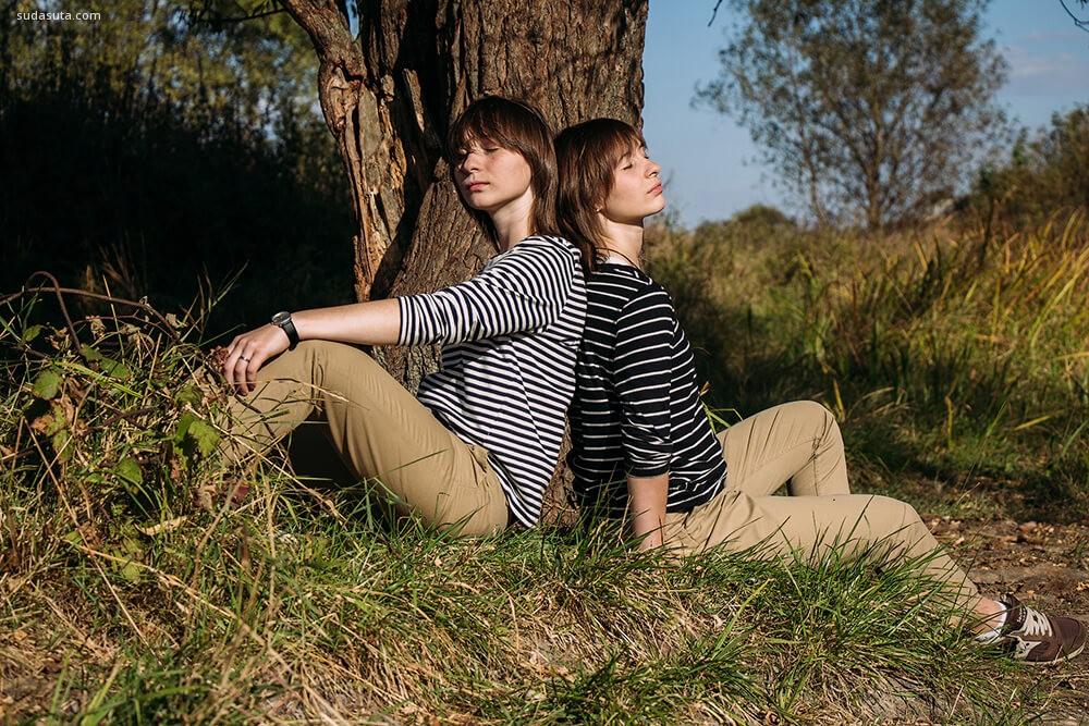 Kira 和Artem 遇见更多的双生子 旅行摄影欣赏