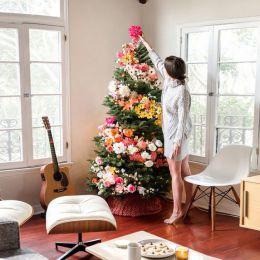 用鲜花装饰圣诞树吧!