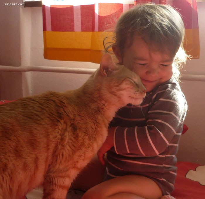 孩子和宠物 充满爱的家庭摄影欣赏