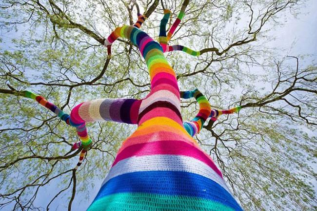 Magda Sayeg 充满童趣的手工编织艺术