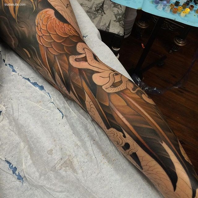 Teresa Sharpe 在身体上绘画