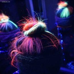 让你的头发在黑暗中闪闪发光