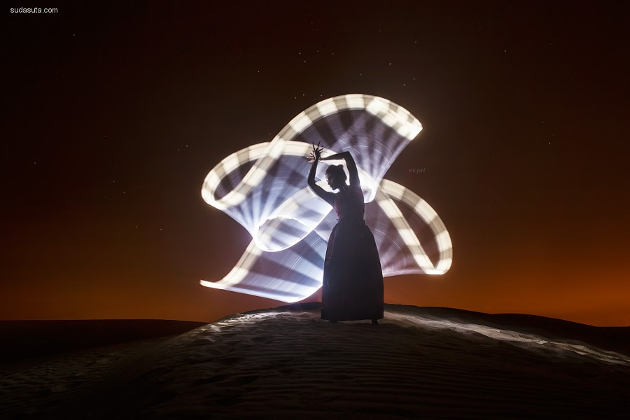 Eric Paré 用灯光作画
